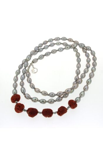 LLNKFCOR24.1/NECKLACE OVAL GREY PEARLS+6 CORAL NATURAL+ HEMATITE SILVER BEADS/xs/130cm