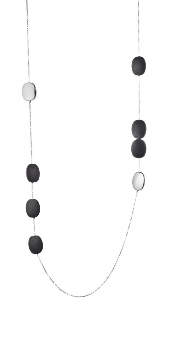 NECKLACE/MARCELLO PANE/CLAR078/WHITE CHAIN WITH 2 WHITE OVAL SLV BUTTONS & 6 BLACK RUBBER OVAL BUTTON